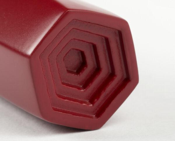 maniglia di design maglia per porte bordeaux opaca maniglia colorata modello geometrico prisma by niva design