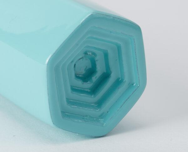 maniglia di design maglia per porte celeste lucida maniglia colorata modello geometrico prisma by niva design