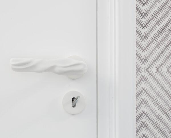 maniglia di design maglia per porte bianca maniglia colorata modello fiocco by niva design