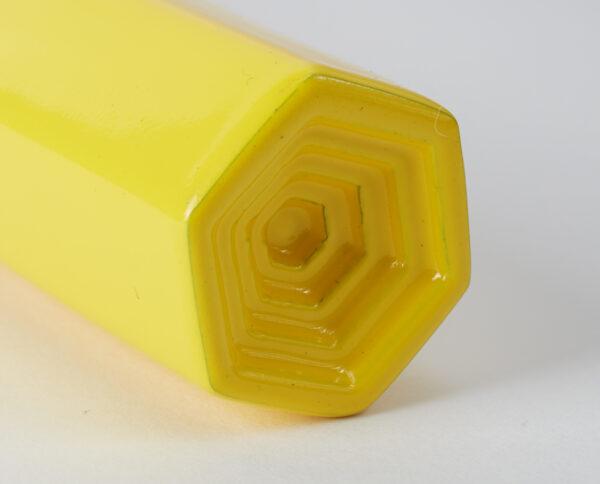 maniglia di design maglia per porte giallo lucido maniglia colorata modello geometrico prisma by niva design