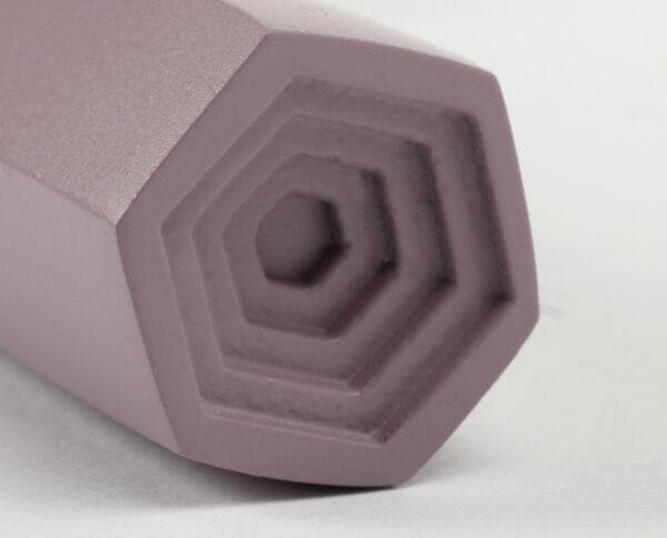 maniglia di design maglia per porte lilla opaca maniglia colorata modello geometrico prisma by niva design