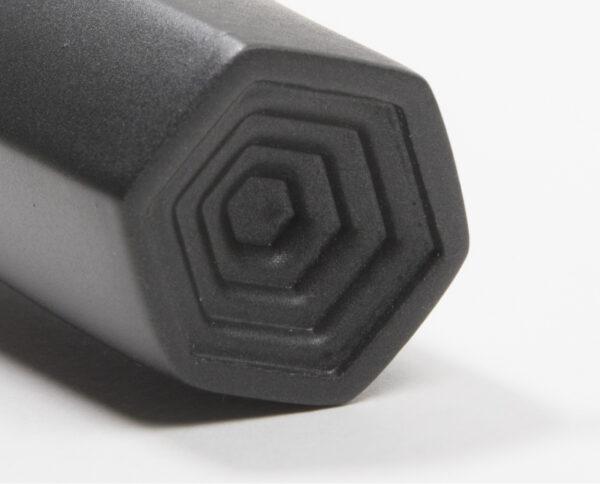 maniglia di design maglia per porte nera maniglia colorata modello geometrico prisma by niva design