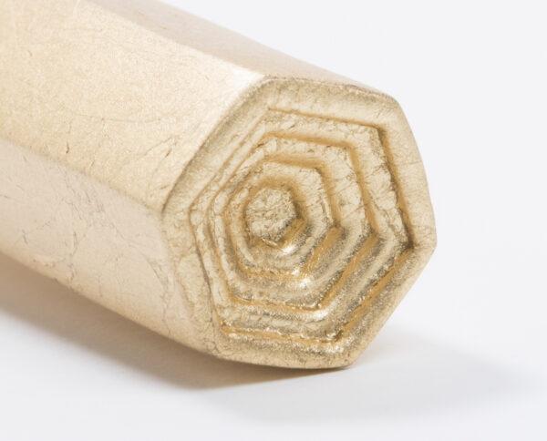 maniglia di design maglia per porte con foglia oro modello geometrico prisma by niva design