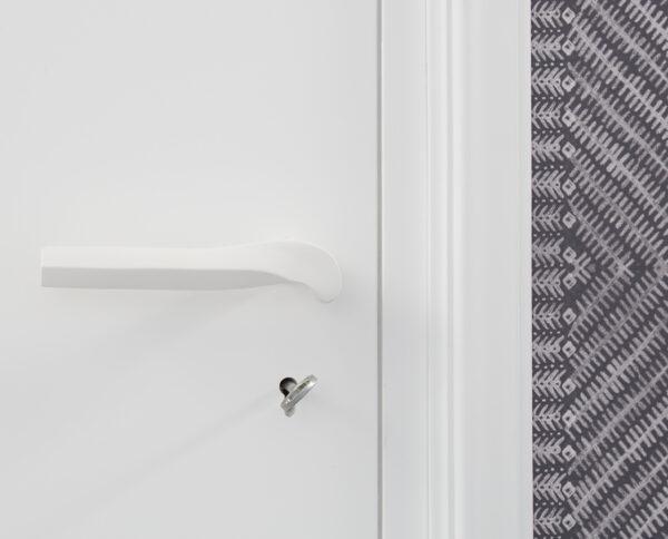 maniglia di design maglia per porte bianca maniglia colorata modello geometrico prisma by niva design
