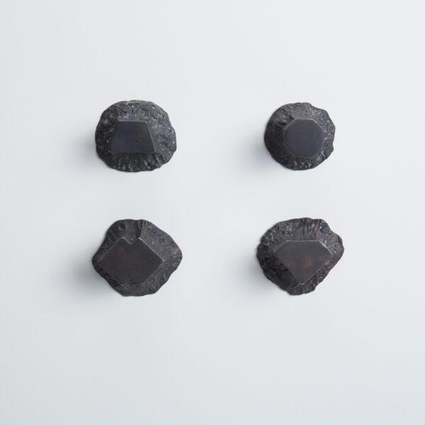 pomello di design pomello per mobili pomello ottone acidato nero modello solido by niva design